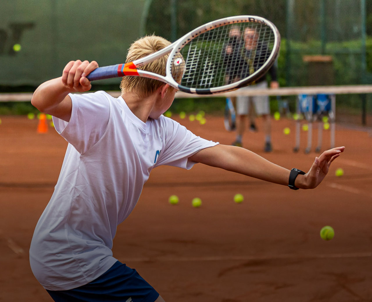 Sichtung und Anmeldung – Tenniseinheit. Fitnesstest. Abschlussgespräch.